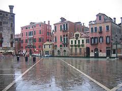 venice-pastel-houses