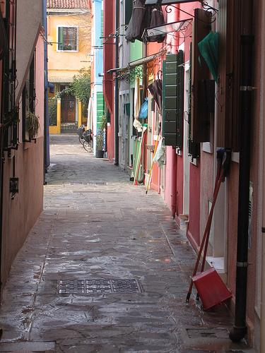 venice-burano-street-lge