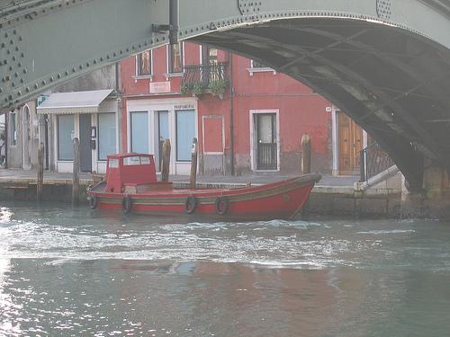 venice-murano-canal
